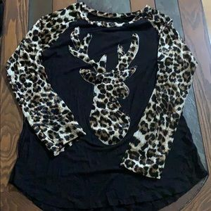 Tops - Long Sleeve Leopard Print Velour Deer Baseball tee